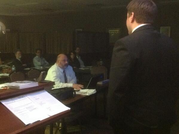 Attorney Ryan McPhail discusses contracts for small business to a crowd of 40+ Jewish B2B Networking entrepreneurs